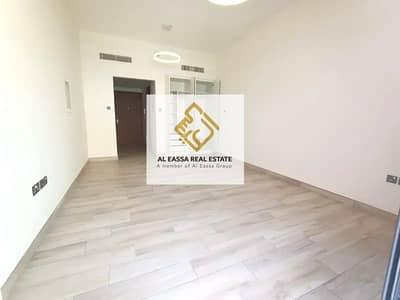 استوديو  للايجار في قرية جميرا الدائرية، دبي - Spacious Studio | Brand New and High Quality Kitchen Appliances | JVC