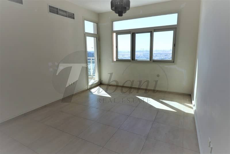 Pool view|Chiller free|Near Metro|Kitchen Equipped
