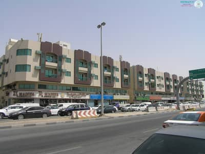 3 Bedroom Flat for Rent in Industrial Area, Sharjah - 3 B/R Hall flat in Industrial area no.12 opposite Dafco Redimix