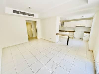 فیلا 2 غرفة نوم للايجار في الينابيع، دبي - فیلا في الينابيع 14 الينابيع 2 غرف 75000 درهم - 4692831