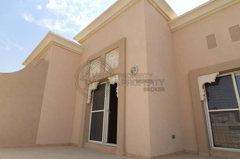 75 FREE ONE MONTH   TOWNHOUSE 3BR+STUDY+MAID   FREE MAINTENANCE