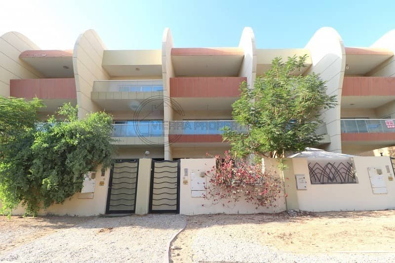 34 Beautiful 4 BR Villa with Maid Room Vacant