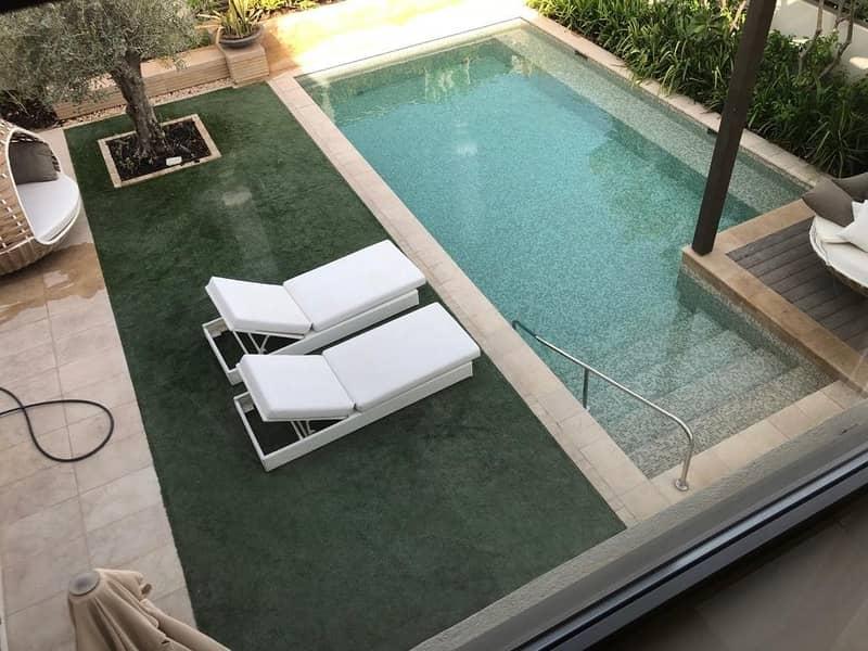 2 Stunning 4BR Villa in Lilac