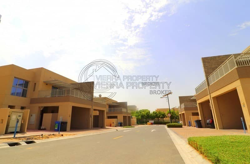 10 PHASE 3 VILLA | FREE ONE MONTH | 4 BR + MAID + LAUNDRY