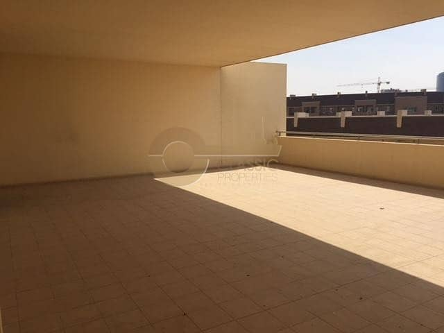 2 Largest 2ed | Private Terrace | Motor City