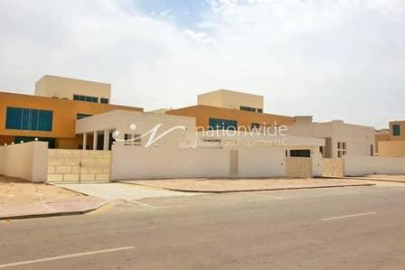 فیلا 5 غرف نوم للبيع في مدينة شخبوط (مدينة خليفة ب)، أبوظبي - Hottest Offer! 3 Spacious Villas w/ Private Pool