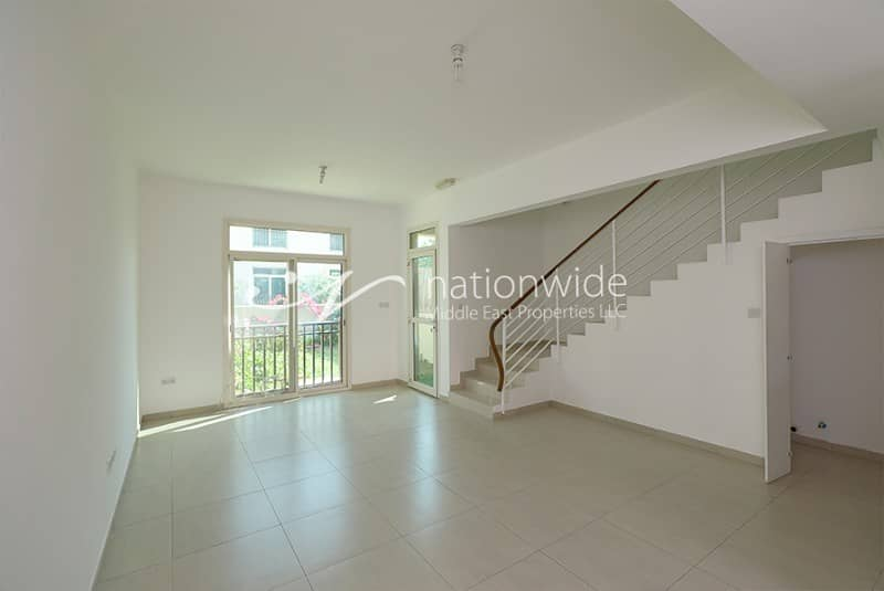 2 Good Deal! Exceptionally Spacious Townhouse