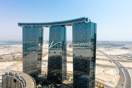5 Bedroom Penthouse for Sale in Al Reem Island, Abu Dhabi - Spacious Furnished Penthouse w/ Sea Views