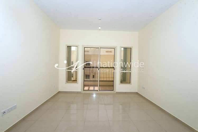 2 Live In An Elegant and Comfortable Unit!