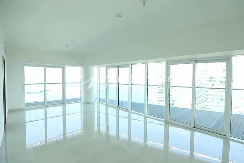 2 Spacious Townhouse with Sea View and 3 Parking