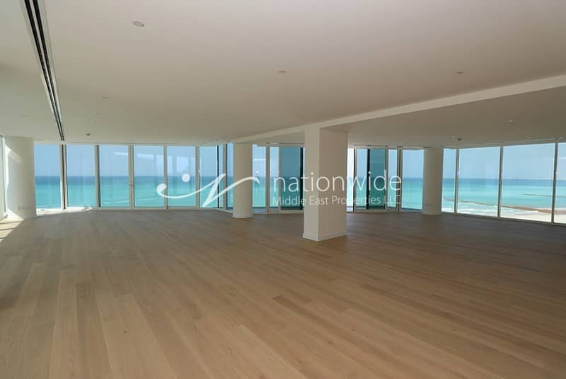 2 Experience Living In A Penthouse w/ Sea View