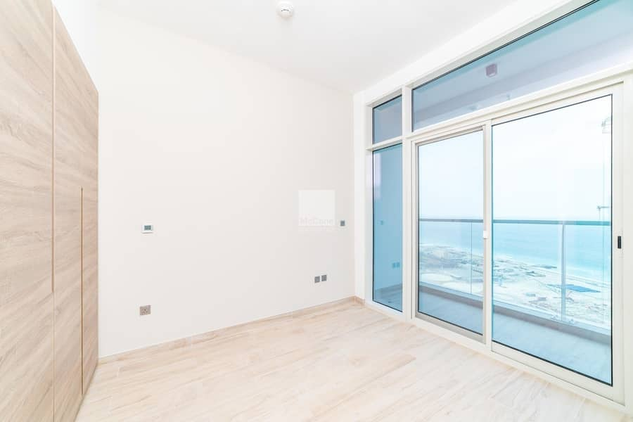 14 Brand New One Bedroom with Sea and Marina Views