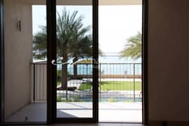Sea View 3BR TH For Up To 6 Installments
