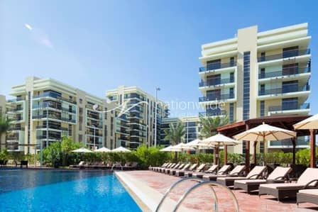 2 Bedroom Flat for Rent in Khalifa City A, Abu Dhabi - Exceptional 12 Payments with Partial Golf