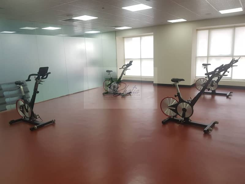 15 Well Maintained: Spacious 1 BR with Gym And Parking