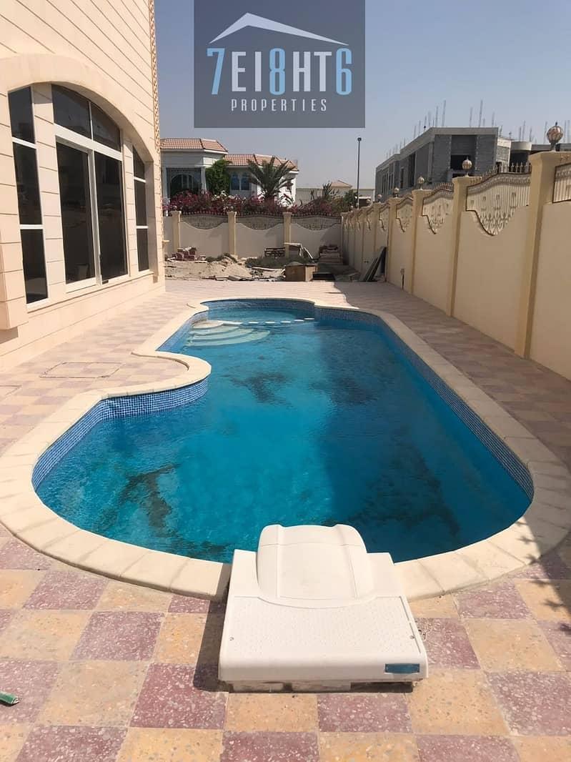 2 Exceptional luxury: 5 b/r independent villa + servant quarters + 2 kitchens + s/pool + stunning landscaped garden