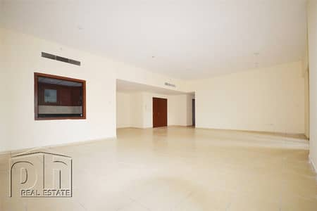 فلیٹ 4 غرف نوم للايجار في جميرا بيتش ريزيدنس، دبي - Huge Apartment | Partial Marina View | Vacant