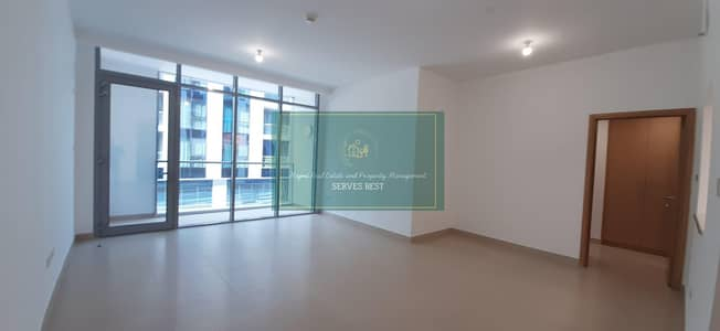 1 Bedroom Flat for Rent in Rawdhat Abu Dhabi, Abu Dhabi - Exquisite Modern Marvel Apt Spacious Balcony