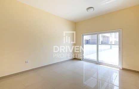 شقة 2 غرفة نوم للايجار في قرية جميرا الدائرية، دبي - Spacious 2 Bed Apartment with Park Views
