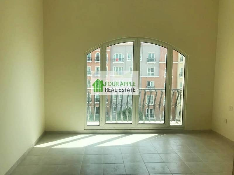 2 Vacant 2 Bedroom with Balcony