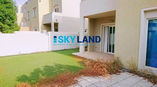 فیلا 4 غرف نوم للبيع في الريف، أبوظبي - 3 CHEQUES ! Single Row 4Beds w/ Well Maintained Backyard !
