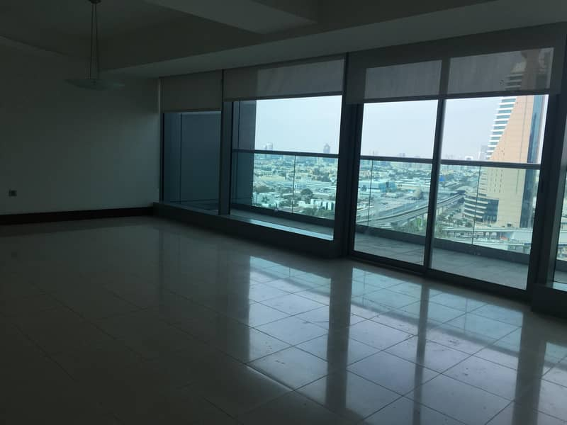16 Reduced Rent Luxuary 2Br Duplex Apartment for Rent  in Jumeirah Living