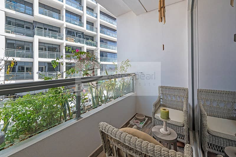 10 Upgraded | Fully Furnished 1BR| Vacant on Transfer