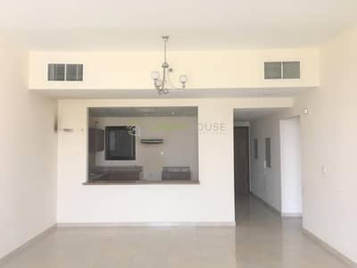 2 Bedroom Apartment for Rent in Jumeirah Village Circle (JVC), Dubai - Decent-sized Bright