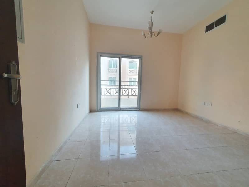 Owsam Offer For 1bhk just in 20k with balcony Fully Family Bulding