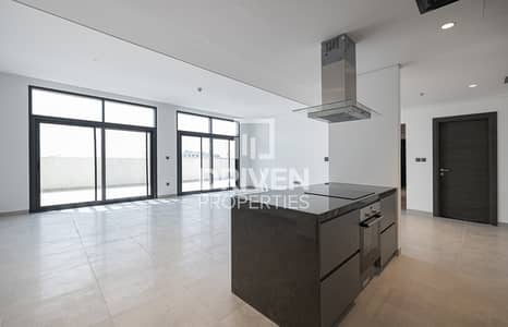 Brand New 3 Bed Penthouse with 1 Month Free