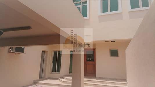 فیلا 4 غرف نوم للايجار في الصفا، دبي - Well Maintained 4 Bedroom Villa in Al Safa 1 for Rent
