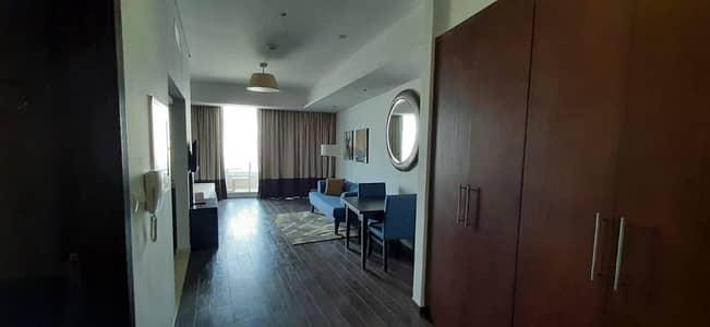 شقة 1 غرفة نوم للايجار في مدينة دبي الرياضية، دبي - FULLY FURNISHED ONE BEDROOM WITH LAKE AND GOLF COURSE VIEW AVAILABLE FOR RENT