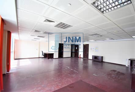 Office for Sale in Jumeirah Lake Towers (JLT), Dubai - Fitted Office with Full Lake View | Low Floor