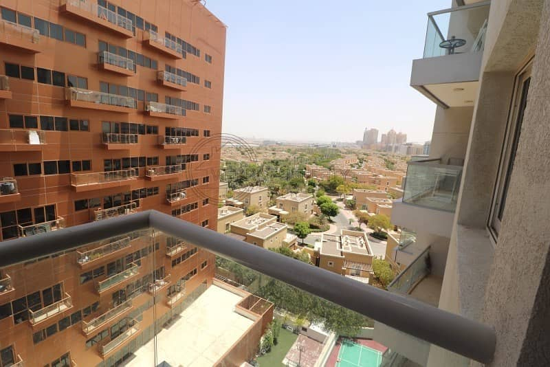 15 Amazing 1 BR Vacant in Lynx Tower - DSO