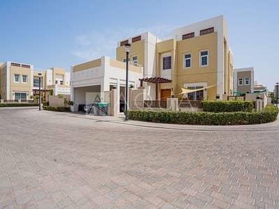 فیلا 3 غرف نوم للايجار في مدن، دبي - Stunning Family Home 3BR | Full upgrade