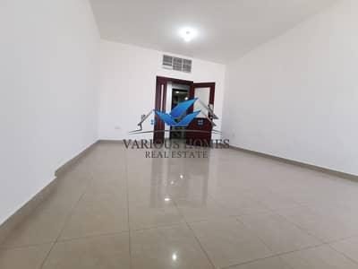 شقة 2 غرفة نوم للايجار في شارع الدفاع، أبوظبي - Elegant 02 BHK with Big Balcony I Central AC in Building at Defense Road Al Nahyan