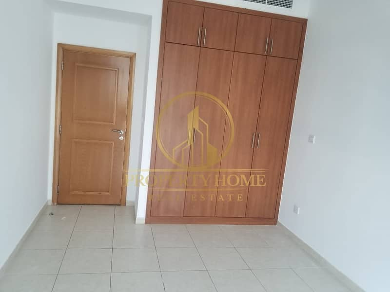 2 Furnished 2BR+ Store RoomVaccant  Next to Metro
