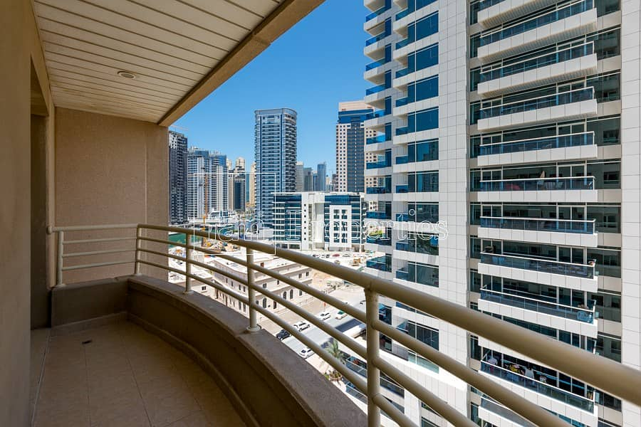 Spacious 1 BR for rent | with balcony