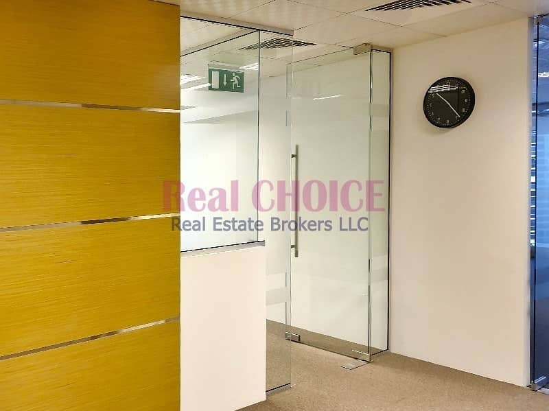 2 Furnished Office W/ 3 Partitions|Near To Metro