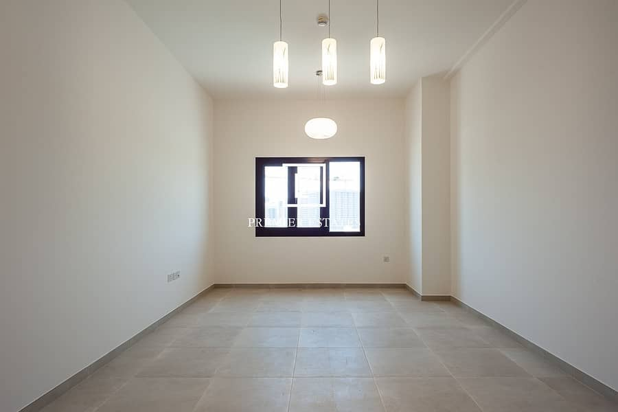 NEW! 1 Bedroom Apt. with Study |Vacant on Transfer