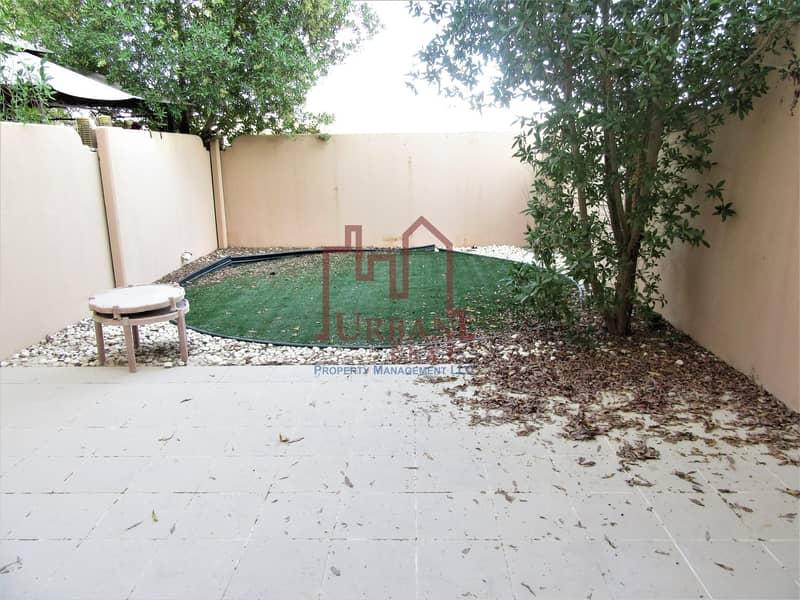 10 Well kept 2BR villa in Arabian semi single row