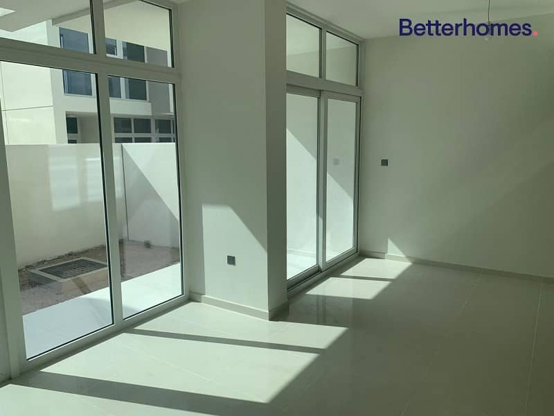 EXCLUSIVE 3BR|Brand New|Managed|Close to pool