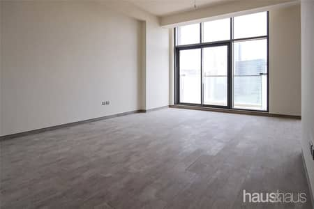 3 Bedroom Flat for Rent in Business Bay, Dubai - Modern | Burj Khalifa View | Three Parking Spaces