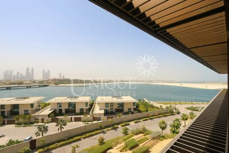Furnished Large 1 Bed with Sea and Skyline Views