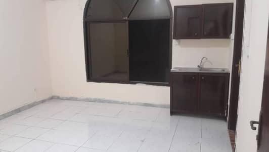 استوديو  للايجار في الخالدية، أبوظبي - شقة في الخالدية 26000 درهم - 4699406