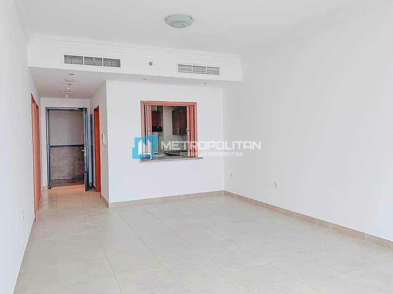 Large Layout Panoramic Windows High Floor Vacant