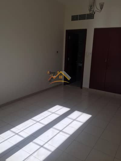 1 Bedroom Flat for Rent in International City, Dubai - SPECIOUS 1BEDROOM HALL WITH BALCONY AVAILABLE FOR RENT IN ENGLAND CLUSTER