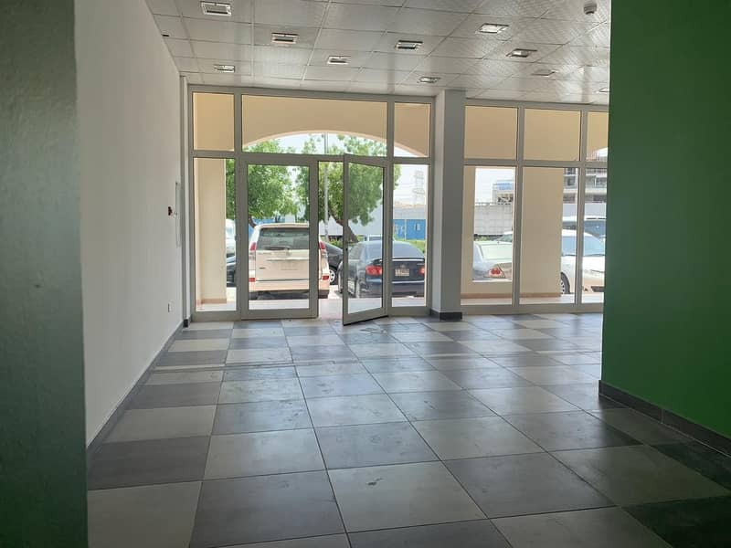SPACIOUS FULLY FITTED SHOP FOR RENT IN GREECE CLUSTER