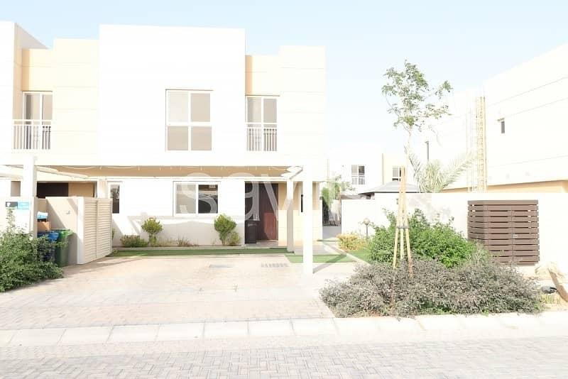 End unit with landscaped garden in Al Nargis