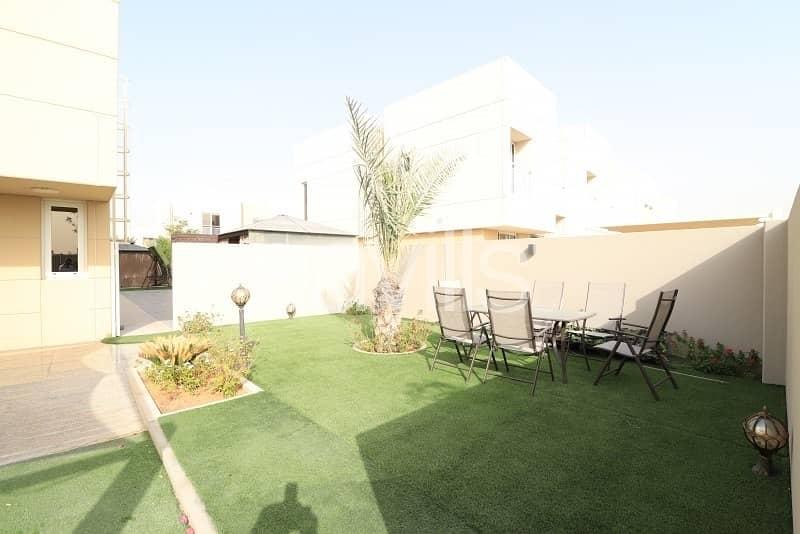 17 End unit with landscaped garden in Al Nargis